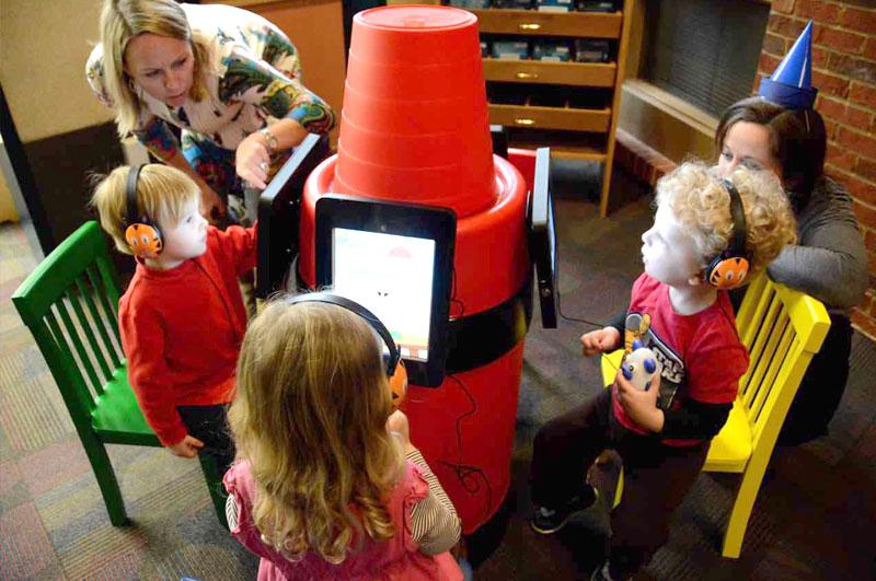 preschool kids learning from Krayon Kiosk iPad Stand